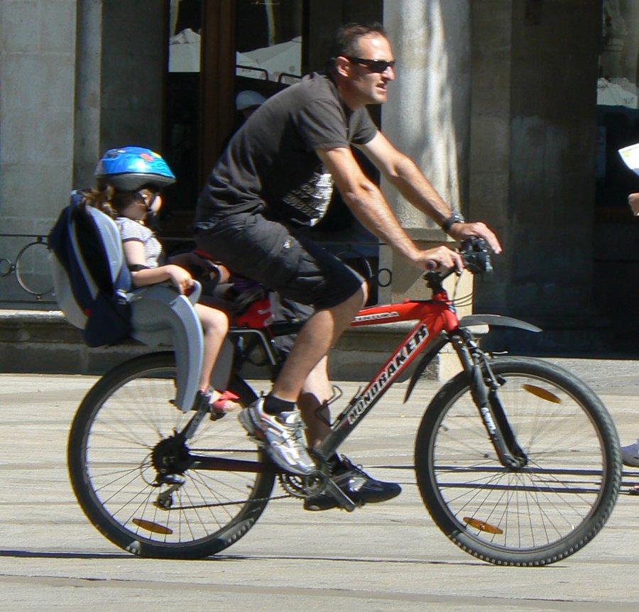 al colegio en bicicleta